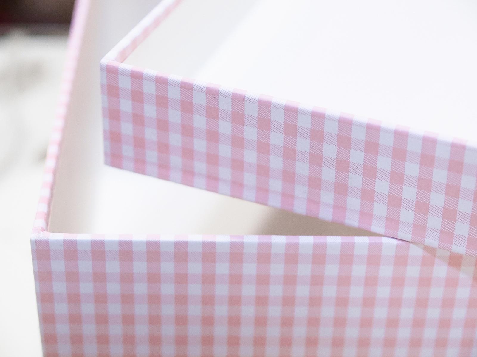 Cajas para guardar ropa de beb for Cajas para guardar ropa armario