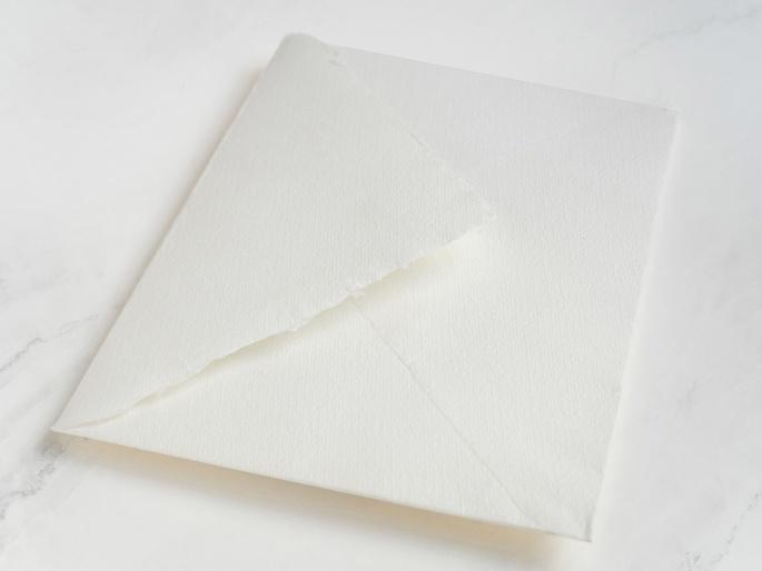 http://arnagapapeleria.com/1243-thickbox_default/sobres-de-algodon-para-invitaciones-de-boda-color-blanco-roto.jpg