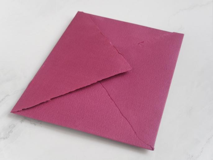 http://arnagapapeleria.com/1244-thickbox_default/sobres-de-algodon-para-invitaciones-de-boda-color-burdeos.jpg