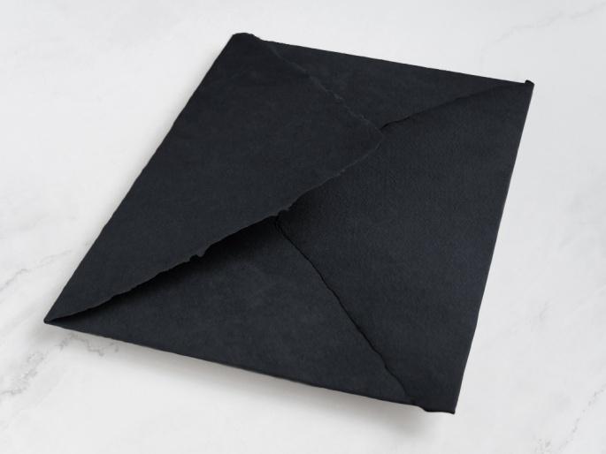 http://arnagapapeleria.com/1247-thickbox_default/sobres-de-algodon-para-invitaciones-de-boda-color-negro.jpg