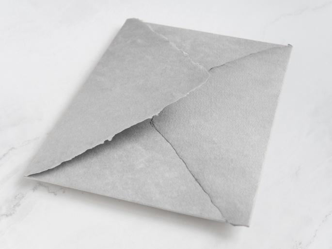 http://arnagapapeleria.com/1249-thickbox_default/sobres-de-algodon-para-invitaciones-de-boda-color-gris-claro.jpg