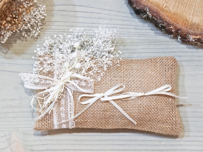 Cojines para anillos de boda paniculata for Cojines para cama de matrimonio