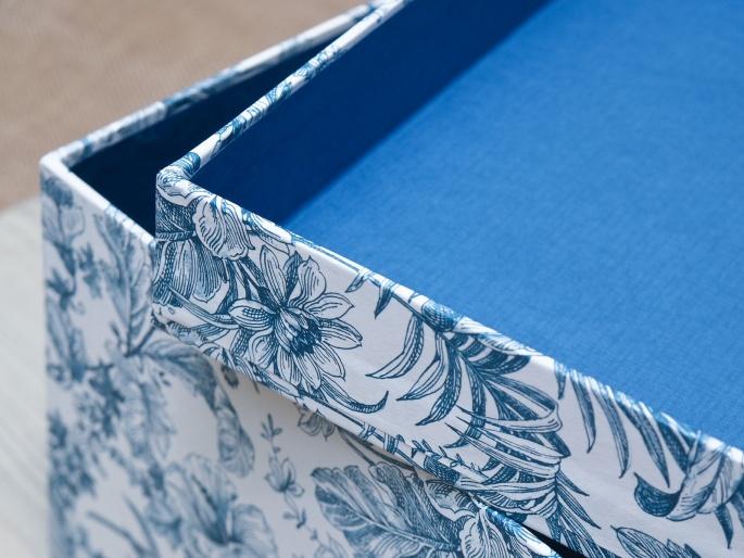 http://arnagapapeleria.com/72-thickbox_default/cajas-para-ordenar-armarios-y-vestidores-papeles-estampados.jpg